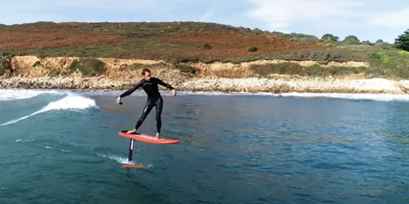 LES LOST IN THE SWELL SURFENT EN FOIL !